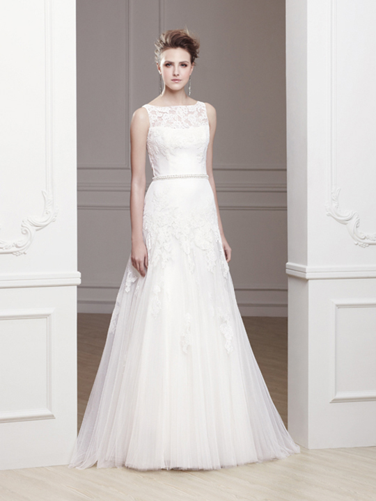 Choosing The Best Wedding Dress White For Your Skin Tone